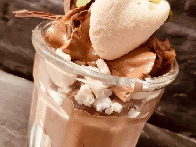 L'Auberge de Mouvaux mousse au chocolat meringue