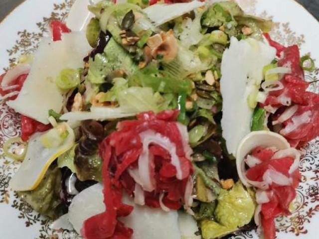 L'Auberge salade de l'auberge de mouvaux, cave de maturation, restaurant, boucherie, steakhouse, viande d'exception, viande maturée, côte à l'os, dryage, mouvaux, lille, hauts de france